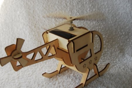 Solarbausatz Helikopter aus Holz